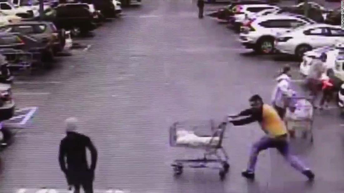 Good Samaritan in Georgia thwarts Home Depot shoplifting suspect with shopping cart
