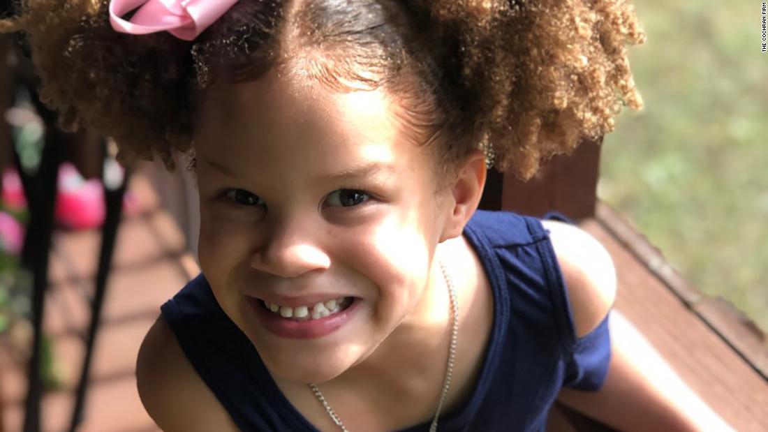 Αστυνομία πήρε ένα 6-year-old κορίτσι σε ένα ψυχιατρείο, επειδή ήταν
