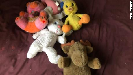 The pink teddy bear is called Hamze. It's eight-year-old Dima's favorite toy, but her mother can only bring along the essentials, and toys don't make the cut.