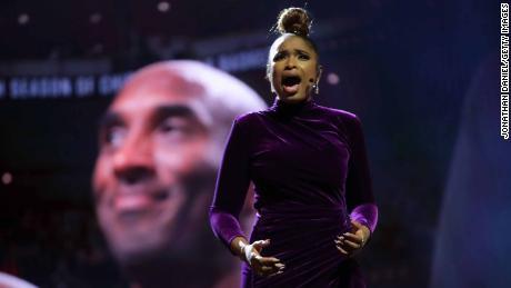 Jennifer Hudson pays tribute to Kobe Bryant before the NBA All-Star game.