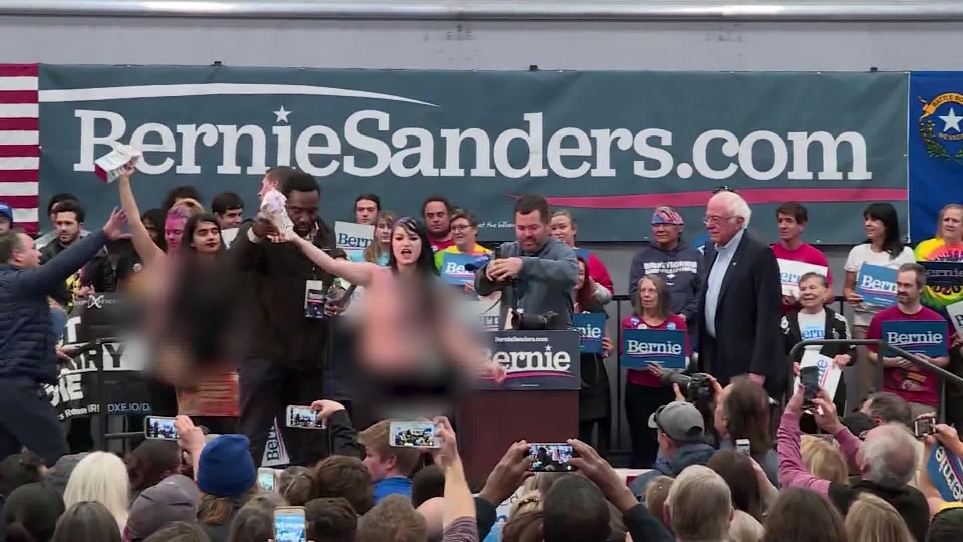 Naked girls at bernie sanders rally Topless Protesters Disrupt Bernie Sanders Rally In Nevada Cnn Video