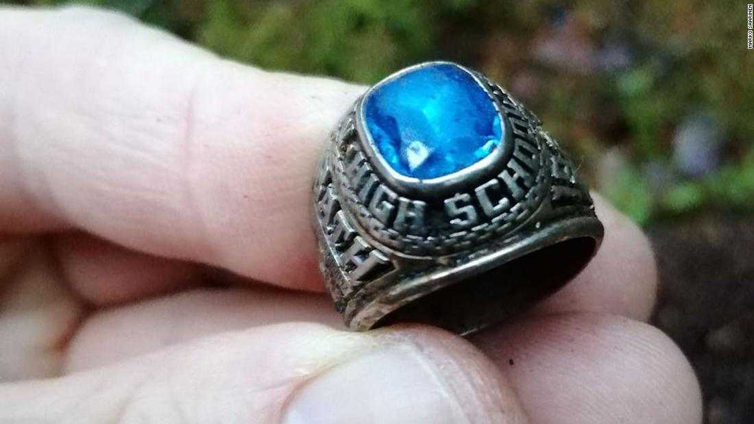 Έχασε το δαχτυλίδι της τάξης εμφανίζεται 47 χρόνια αργότερα στη Φινλανδία