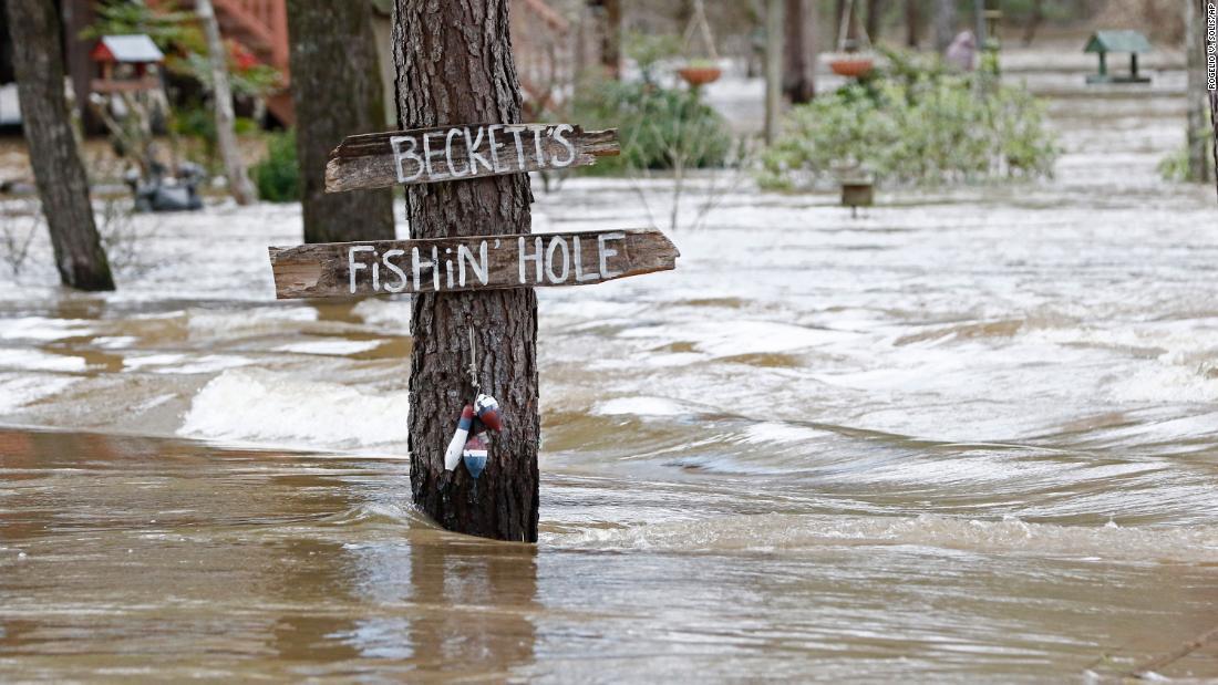 Ιστορικό νερά των πλημμυρών στο Μισισιπή θα υποχωρήσουν αργότερα αυτή την εβδομάδα. Αλλά όχι πριν από περισσότερα βροχής θα μπορούσε να προκαλέσει προβλήματα για χιλιάδες