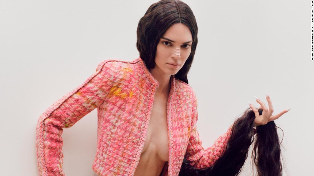 Kendall Jenner wird als Wachs-Modell auf Magazin-cover durch virale Künstler