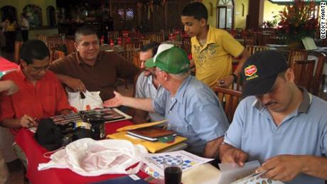 This was the scene of a meeting of banana label collectors in Costa Rica in 2008.