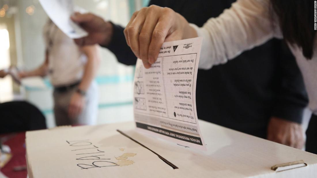 Είσοδος δημοσκόπηση δείχνει Μπέρνι Σάντερς έχει ένα προβάδισμα στην αρχική προτίμηση του caucusgoers