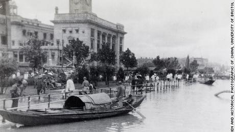 Sampans by the Hankou Bund during the 1931 floods, in Wuhan.