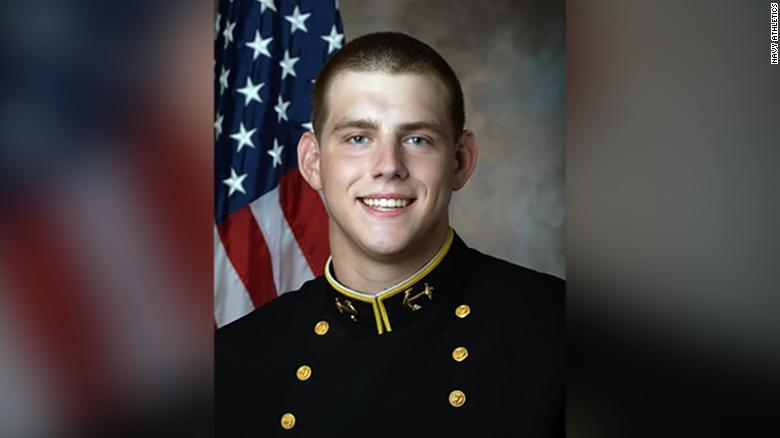 Navy football player honors fallen teammate during Army-Navy rivalry game