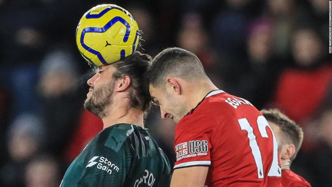 Chính quyền bóng đá Anh cấm trẻ em tham gia bóng đá trong đào tạo