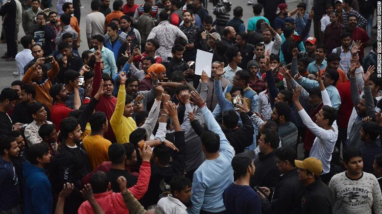 Clashes broke out in Maujpur, New Delhi, between supporters and opponents of India's new controversial citizenship law.
