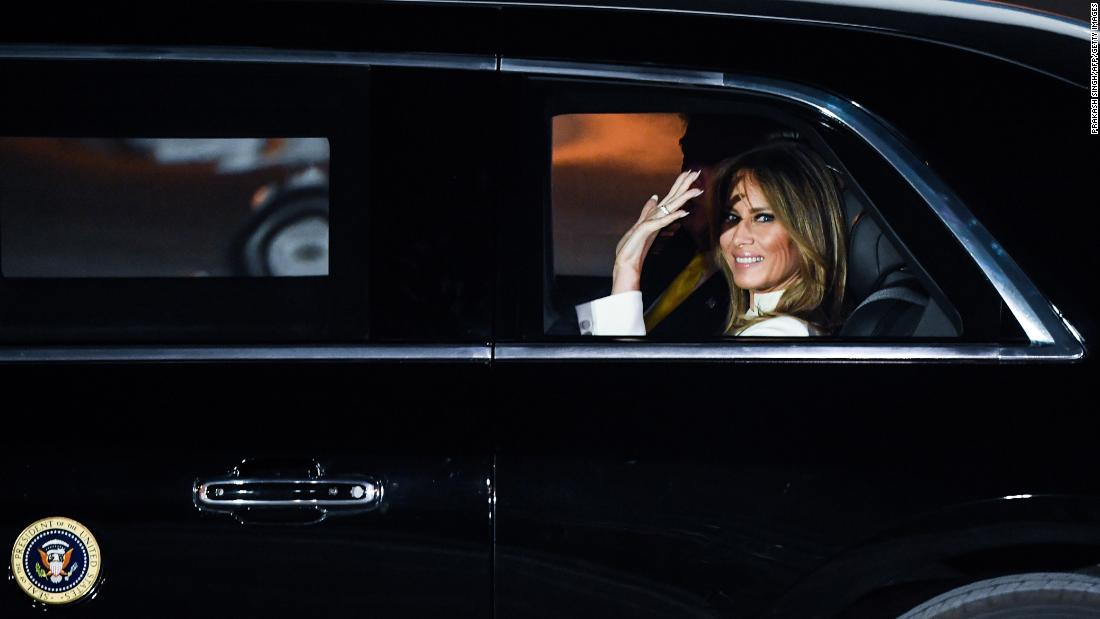 Melania Trump menekankan pentingnya mengambil masker serius