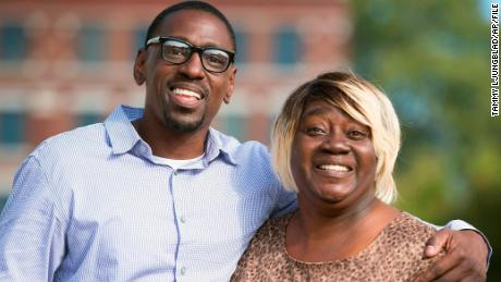 Lamonte McIntyre, left, with his mother, Rosie McIntyre, in 2017.