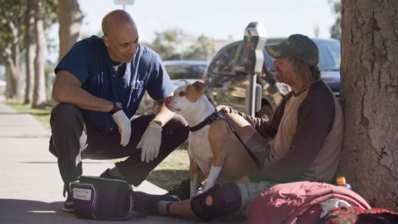 Image for Meet the veterinarian walking around the streets of California and treating homeless peoples' animals for free