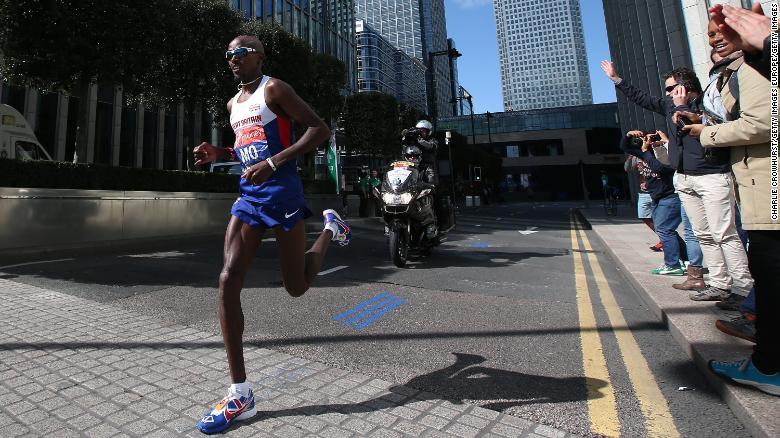 Mo Farah เข้าแข่งขันที่ London Marathon ในเดือนเมษายน 2014