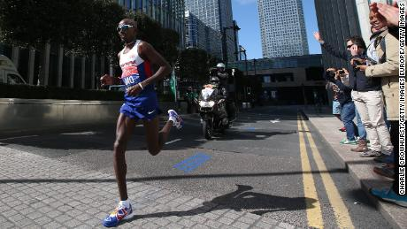 Mo Farah competes in the London Marathon in April 2014.