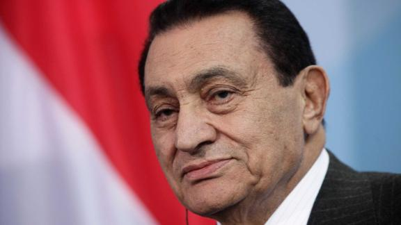 Former Egyptian President Hosni Mubarak speaks to the media in Berlin, Germany in 2010.