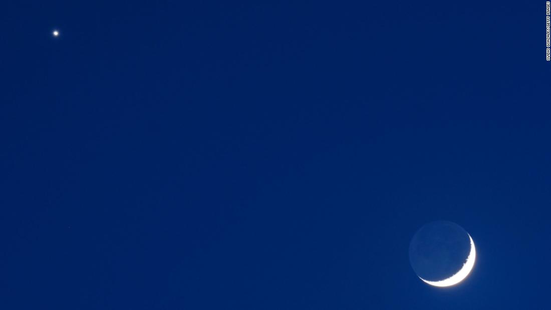 How to see Venus and a crescent moon side-by-side this Thursday - CNN
