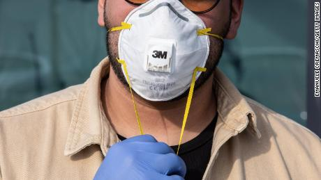 Doctor Says Your Mask Won T Help You Against Coronavirus Here S