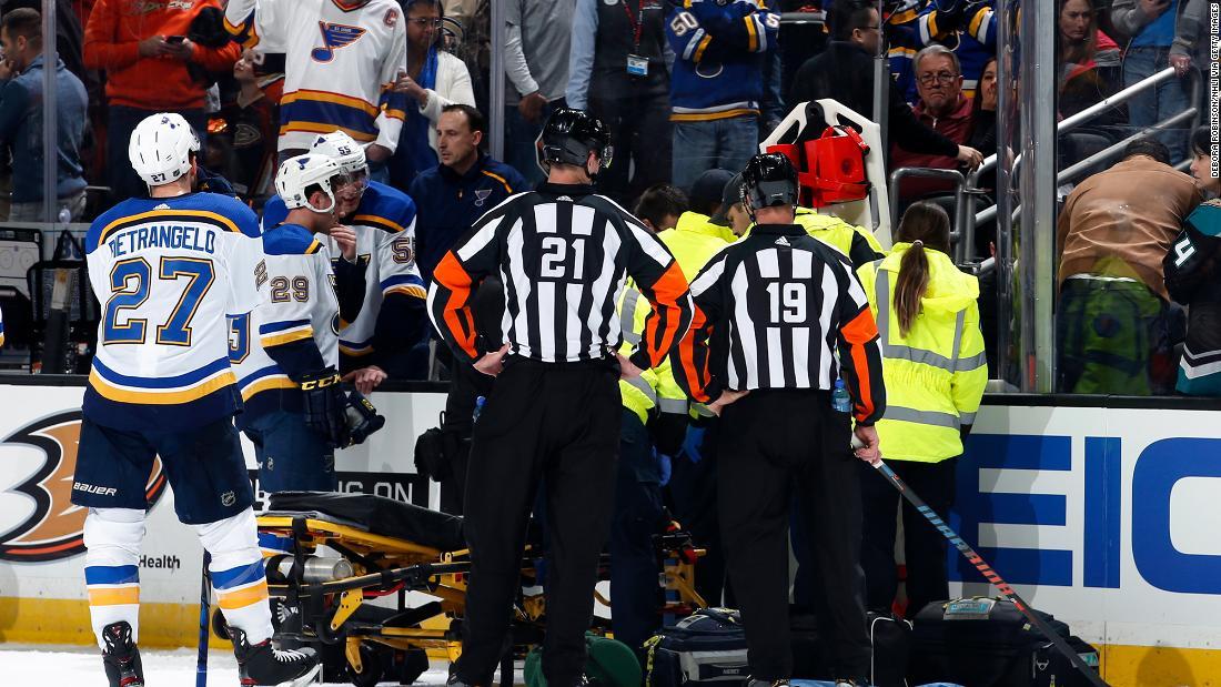 NHL παίκτης που υπέστη καρδιακό επεισόδιο την πρώτη δημόσια σχόλια από τότε που ήταν αναβίωσε με απινιδωτή κατά τη διάρκεια ενός παιχνιδιού