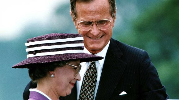 "George H.W. Bush: Bush visited the Queen at Buckingham Palace in 1989, and in May 1991, she was guest of honor at a state dinner in the White House. The pair exchanged toasts about the legacy of human rights and the rule of law bequeathed upon the United States by Great Britain. Meanwhile, the Queen spoke about her previous visits to the White House and the history of diplomatic relations between the two countries. Bush said during his welcome address: ""We have got a lot of things in common. Americans share the Queen"