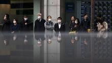 Asian markets fall as coronavirus continues to spread