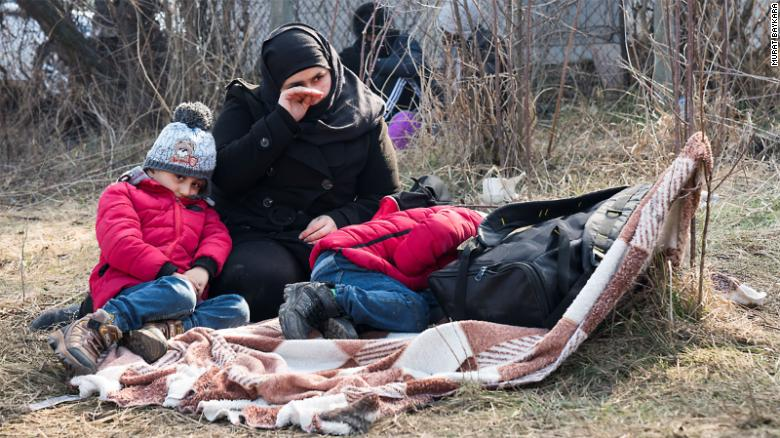 Greece stands firm on migrants, as Turkey opens floodgates ...