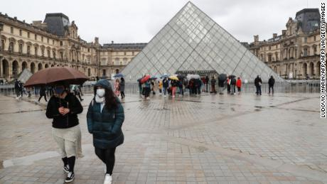 Why the Louvre is closed