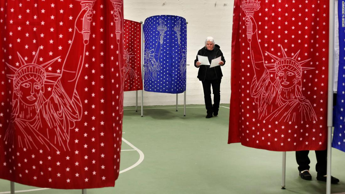 In pictures: Super Tuesday thumbnail
