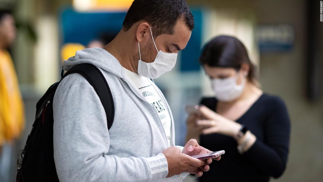 内部の人の闘いの停止をfalseに関する情報coronavirus拡大
