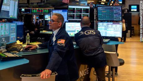Coronavirus confusion: Stocks finish the week higher