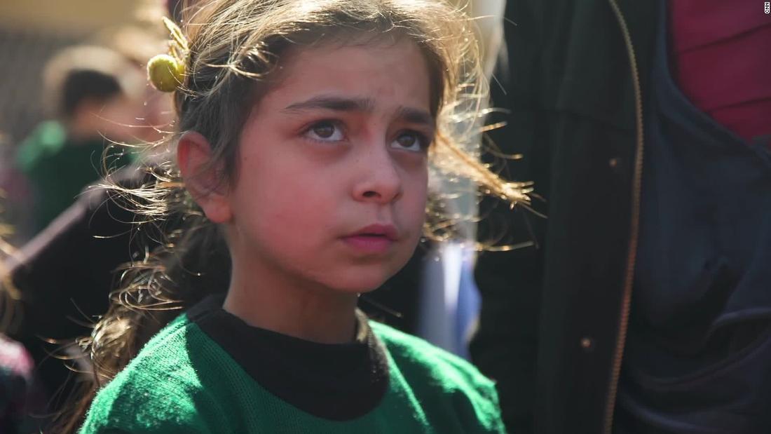 Κανείς δεν μπορεί να προστατέψει αυτά τα παιδιά της Συρίας από τις βόμβες. Αυτή η ομάδα είναι τουλάχιστον προσπαθώντας να τους δώσει τις δεξιότητες για να αντιμετωπίσουν