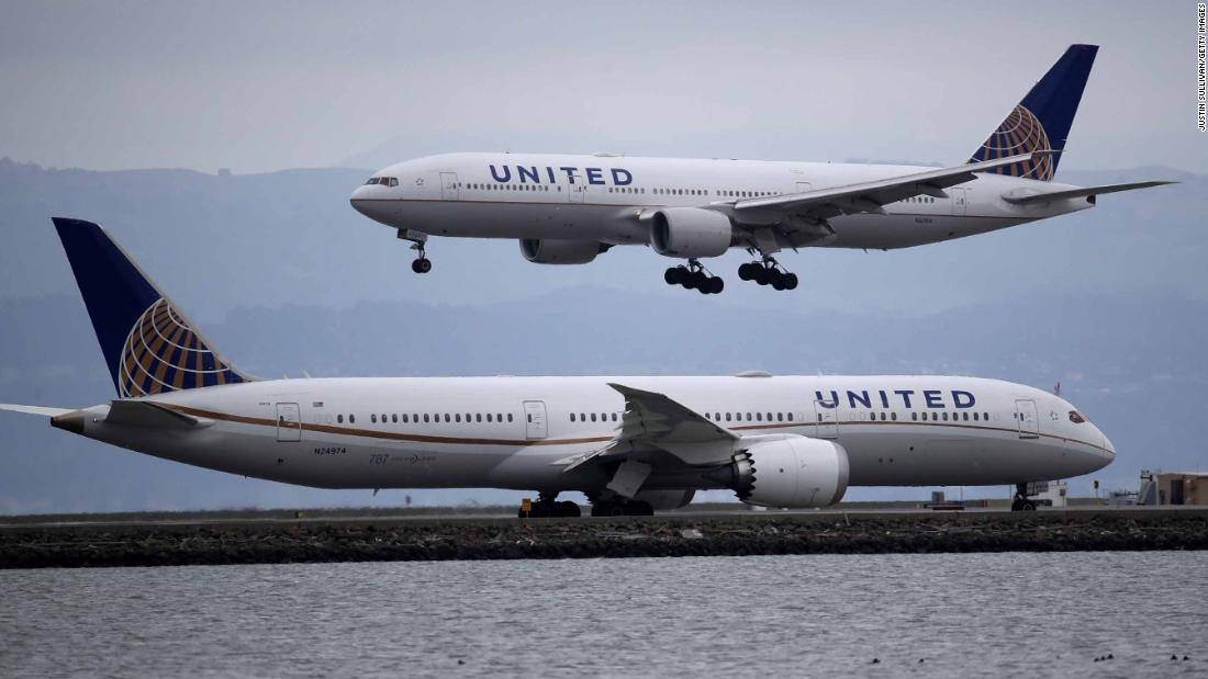 Feds direct airlines to refund passengers for canceled flights