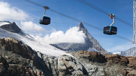 Swiss Alps ski resorts shut down in response to coronavirus
