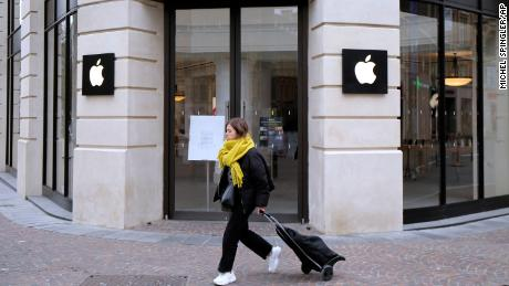 France fines Apple $1.2 billion for antitrust violations