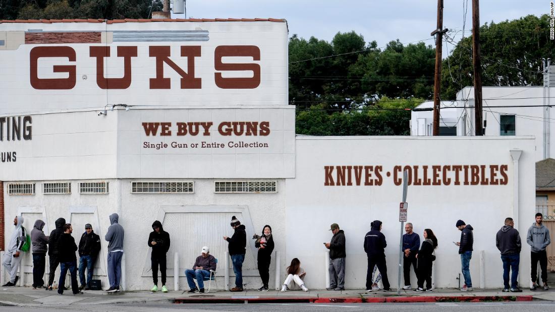 Λος Άντζελες Σερίφη παραγγελίες όπλο καταστήματα κλείσει λόγω coronavirus περιορισμούς