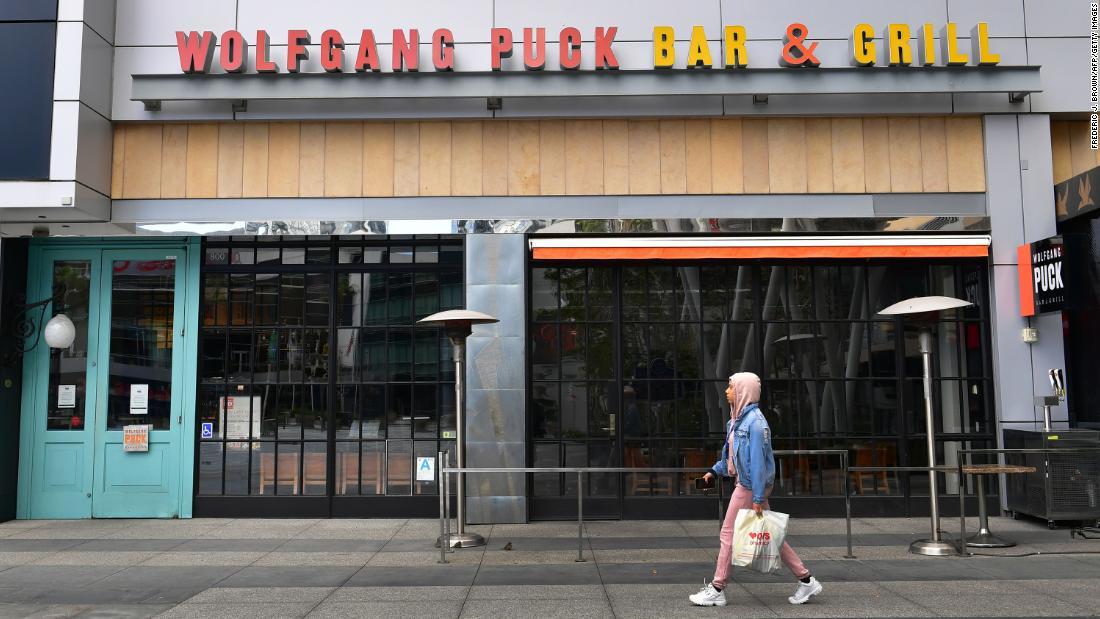レストランは停止を何百万もの雇用危機に新しい報告書によると