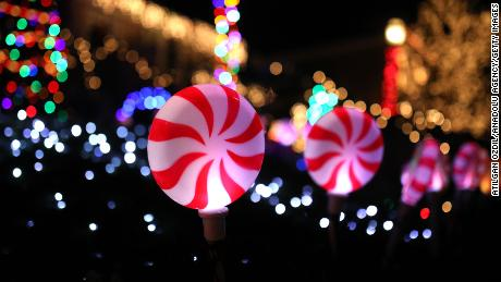 People Are Being Encouraged To Put Up Christmas Lights To Spread Cheer While They Re Social Distancing Cnn