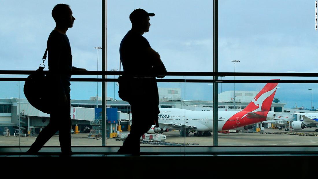 Qantas halts all international flights as coronavirus restrictions tighten