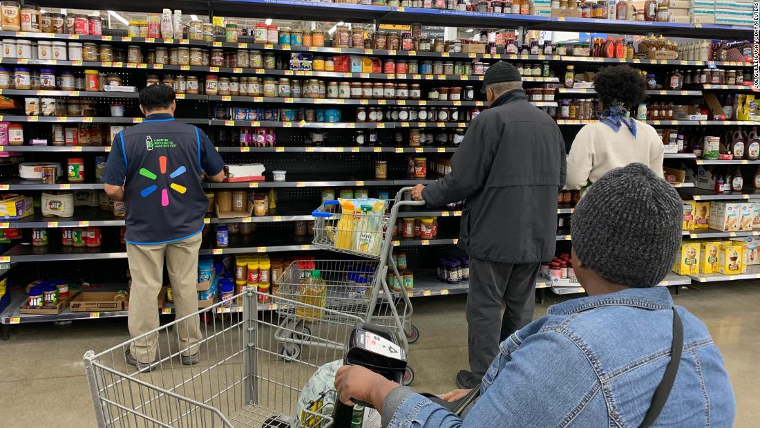 Walmart shortens its hours even further and takes new measures to fight coronavirus