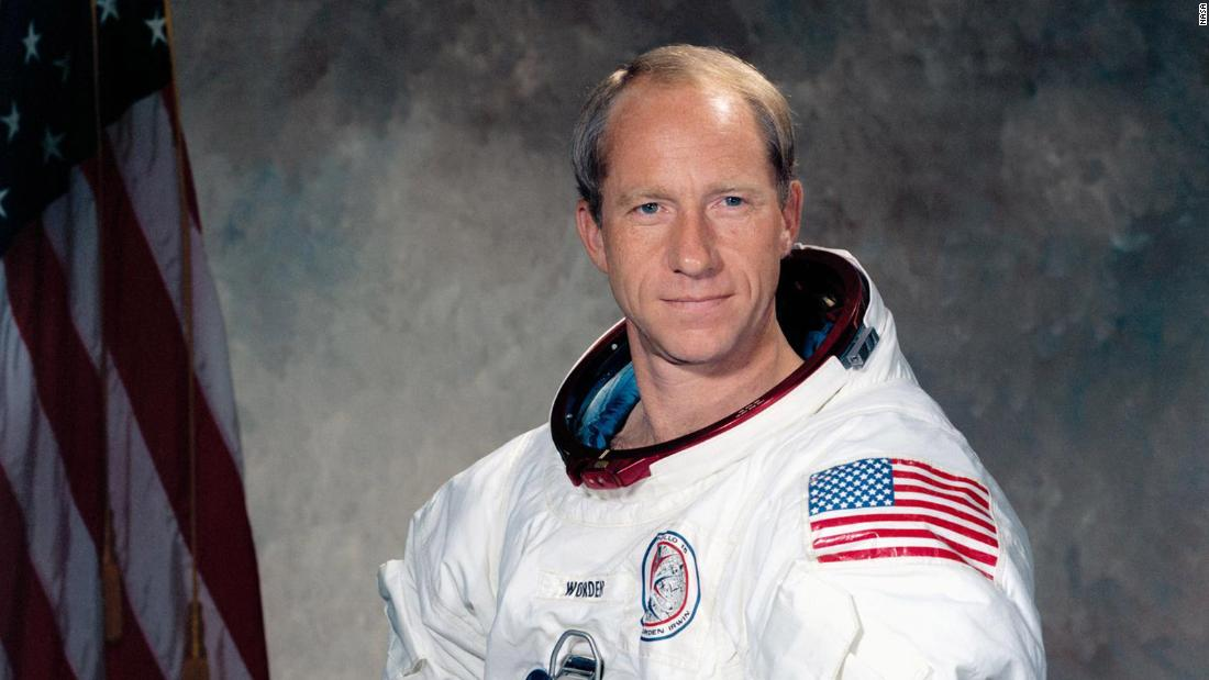Astronaut Al Worden, who circled the moon and once earned record for 'most isolated human being,' has died thumbnail