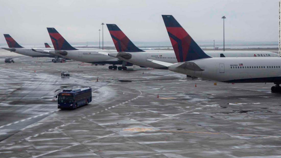 Delta-Air-Lines-Passagier hatte coronavirus und war ansteckend, sagen die Beamten