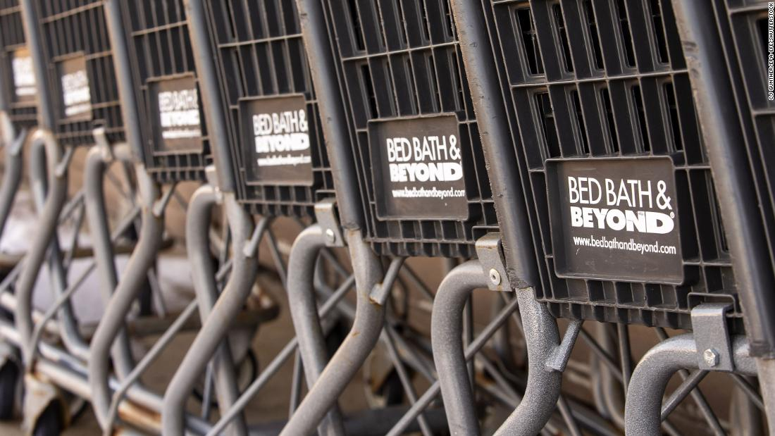 Bed Bath & Beyond remains open, despite workers' opposition
