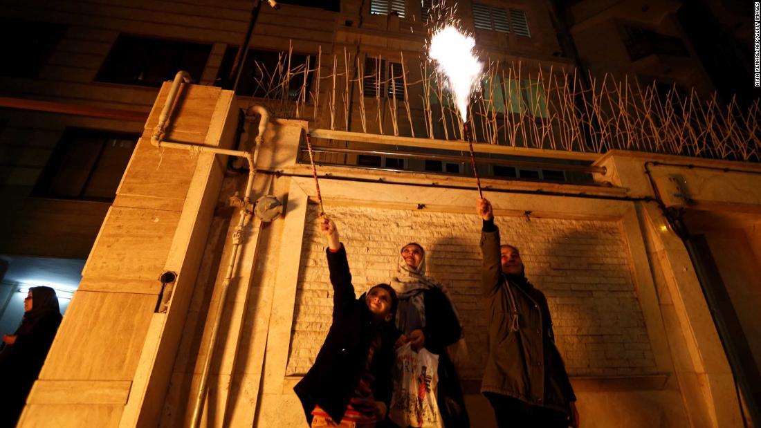 Περσικό Νέο Έτος παραδόσεις μετατραπεί από coronavirus στο Ιράν