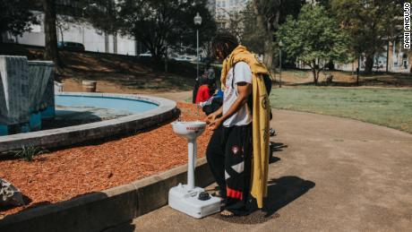 A washing basin in Atlanta's Hurt Park provided by the nonprofit Love Beyond Walls