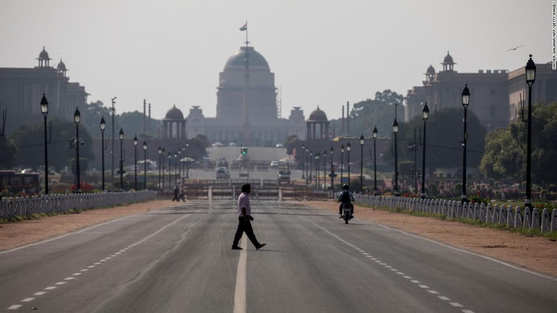 Millionen in Indien unter Sperrung bis Ende des Monats