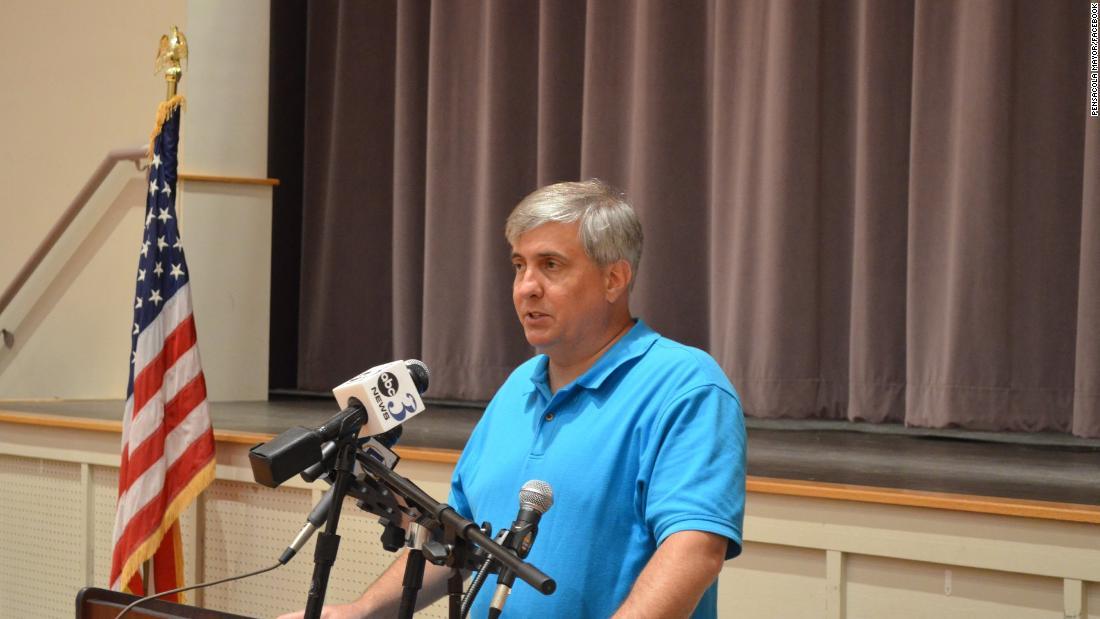 Florida mayor donates salary to pay residents' utility bills during coronavirus crisis