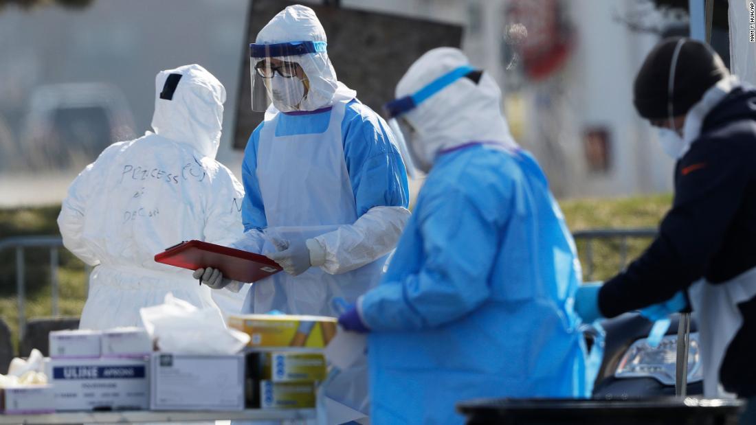Coronavirus κορυφές των νεκρών 21,000 σε παγκόσμιο επίπεδο