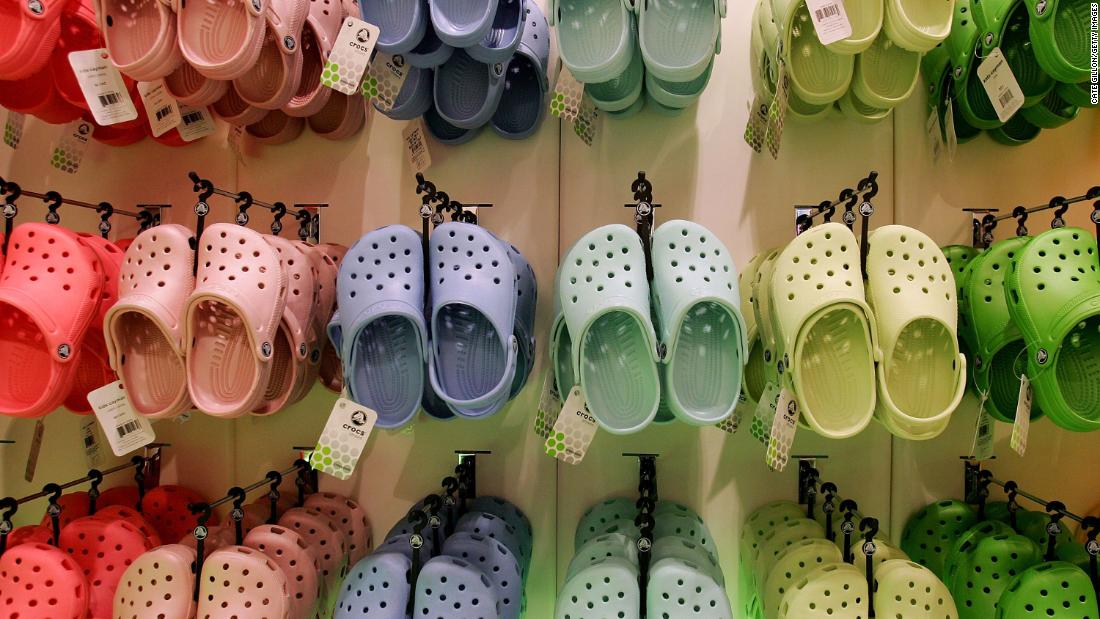 Crocs donating its shoes to healthcare workers - CNN thumbnail