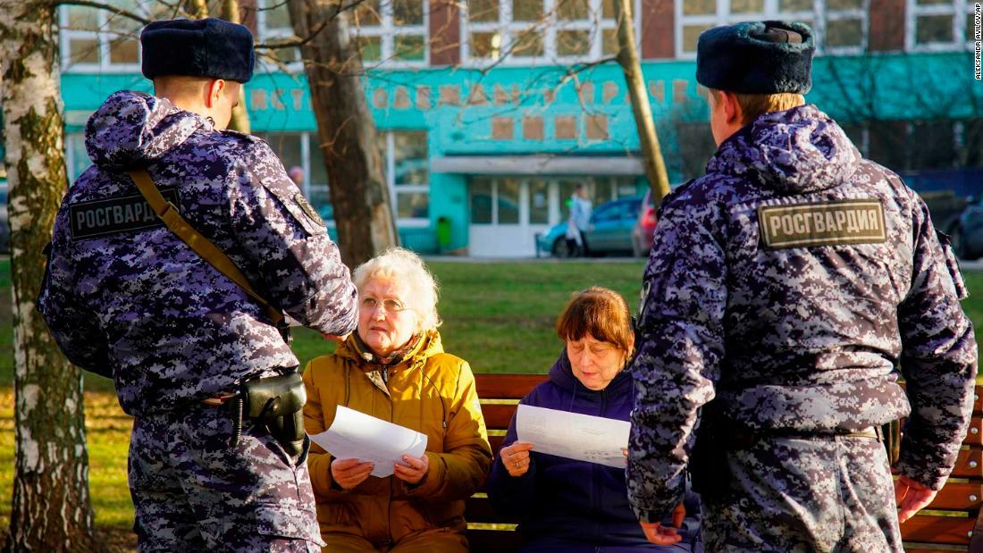 Seminggu yang lalu, Rusia telah virus 'under control'. Tidak lagi