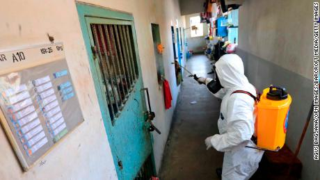 Neglecting those in prisons and detention facilities in the pandemic could be catastrophic, UN says